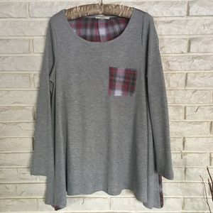 Easel tunic top gray front plaid back